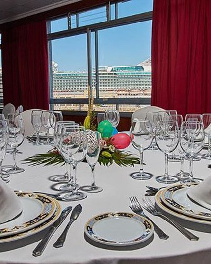 The Sercotel Bahía de Vigo Hotel has six function rooms ...
